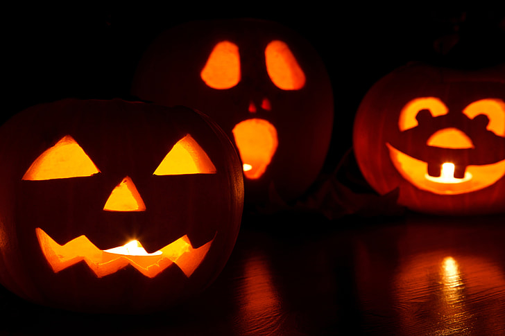 Spooky, but Safe Celebrations for Halloween in 2020