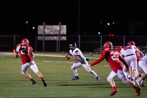 Football Players Adapt and Persevere Through COVID Afflicted Season