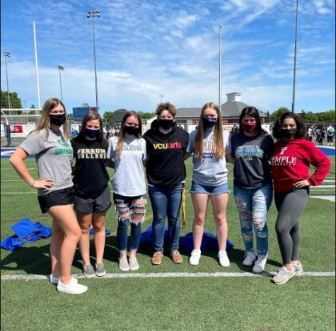 (Left to right) Pictured are seniors Roni Nickerson, Riley Hines, Caitlyn Butler, A. Grabner, Keely Crane, Leslie Quiroz, and Kendra Walker